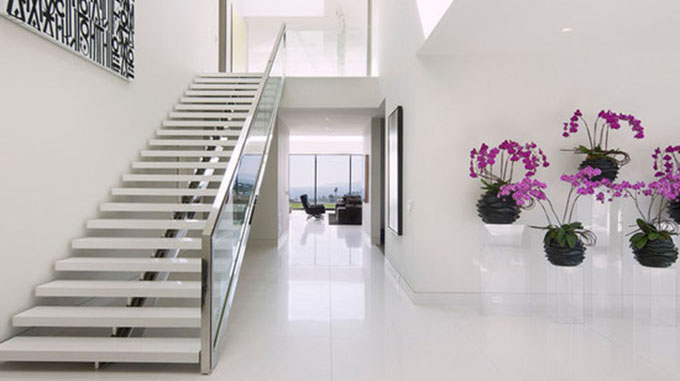 Discover the great benefits of choosing an iron staircase for your home